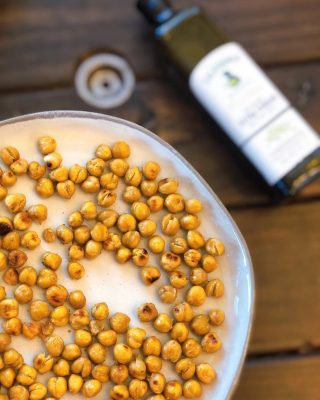 """What's your go to snack? 👅 ⠀⠀ I am always looking for simple snacks my kids can eat that won't spike their blood sugar, aren't processed and taste delicious. This one is always a hit: ⠀⠀ 🧡 ROASTED CHICKPEAS 🧡 ⠀⠀ Some people aren't legume fans because they have protease inhibitors, phytic acid, lectins, oligosaccharides, and some phenolic compounds that may impair your ability to absorb nutrients 🥴 However, soaking and pressure cooking them reduces this problem. ⠀⠀ Now, if you are busy like me and soaking your beans sounds like a daunting task, I have an ⠀⠀ 👇🏼 EASY NUTRITION HACK 👇🏼 ⠀⠀ Buy @edenfoods Eden Organic Chickpeas. 🌱 It's one of the few companies that soak, rinse and pressure cook the beans for you. 🙌 ⠀⠀ Besides, legumes have some important health benefits: ⠀⠀ 🌱 Aide in weight loss 🌱 Regulate blood sugar 🌱 Protect against heart disease 🌱 Good source of plant based protein 🌱 Alkalizing to the body ⠀⠀ I know there are lots of companies that sell roasted chickpeas but most are full of pro-inflammatory industrialized seed oils and are so dry you feel like you are going to choke on them 😬 ⠀⠀ It was my BFF @alexismccarrencoyle who told me """"just make your own."""" 🤣🙌 I promise it's easy and then you can add healthy fat like extra virgin olive oil and cook them to your liking. I like mine crunchy on the outside but still soft on the inside which only takes about 30 minutes at 400 degrees. ⠀⠀ Full recipe link 🤩 IN BIO 🤩 or below: ⠀⠀ https://thenutramom.com/easy-roasted-chickpeas/ ⠀⠀ Enjoy!! . . . . .  #roastedchickpeas #poweredbyplants #eatyourveggies #paleosnacks #healthysnackideas #paleorecipes #healthyrecipes #plantbased #vegansnackideas #cleaneats #healthysnacksforkids #simplesnacks #eatclean #cleaneating #realfoodrecipes #foodblogger #foodblogfeed #familywellness #kidapproved #easysnackideas"""