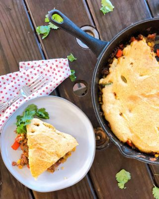 Quarantine comfort food. It just feels like the right time to make a big dinner and enjoy it slowly with family 🤗. Am I right or am I right? ⠀⠀ Cue: ⠀⠀ 🌽 GLUTEN FREE TAMALE PIE 🌽 ⠀⠀ If you have a relaxing day at home, this is the perfect 1 skillet meal 🍳 loaded with extra veggies 🥕🌽and grass fed beef (for a plant based version version sub your favorite beans.) Added some simple Mexican spices and baked the whole thing in the oven with my favorite GF cornbread mix on top. ⠀⠀ I drizzled honey on top of mine 🍯. The kids enjoyed it with sour cream and cheese 😋 ⠀⠀ P.S. (It also makes amazing leftovers) ⠀⠀ dEATs: Grass fed beef (or use beans) Onion Green or red bell pepper Diced tomatoes Zucchini Garlic powder Cumin Ancho chile powder Cornbread mix Almond milk Eggs ⠀⠀ Optional: Shredded cheese Sour cream Cilantro Honey ⠀⠀ Recipe link in bio or below: https://thenutramom.com/gluten-free-tamale-pie/ ⠀⠀ What's on your menu this weekend? Happy Friday! ❤️ . . . . .  #healthycomfortfood #paleofoodie #foodblogger #foodismedicine #organicfood #organicfoodie #foodblogfeed #healthycooking #familyapproved #paleodiet #healthychoice #holisticnutrition #wholefoods #healthymeals #eatinghealthy #healthyeats #paleorecipes #glutenfree #glutenfreerecipes #healthymealsmadeeasy #getinmybelly #kidapproved #familywellness