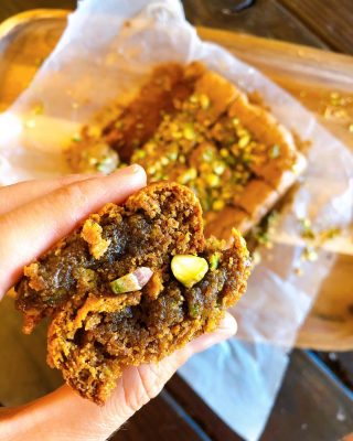 🔥New recipe comin' in hot just in time for the weekend 🔥🥳🙌  🍯✨PALEO FRIENDLY PISTACHIO HONEY BLONDIES ✨🍯 (link in bio)  Do you feel anxious or out of control when you eat sweets? 🍬🍭🍪🧁🥴  Do you diet all day just to binge at night and then curse yourself for having no willpower? 😩 Do you think about food all day or obsessively count every calorie you eat?  If you don't eat perfectly do you think, screw it, might as well eat what I want and start again tomorrow? 😏 These are all signs that you may be deep inside the diet culture / restrict / binge / shame cycle. I've been there + it's not fun.  Diet after diet, year after year, we continue to delude ourselves, going through the hope that the next diet will be THE ONE that works, only to be let down when we can't stick to it. But I'm here to tell you there's freedom on the other side of diet culture!!! 🤗🥳 There's self acceptance and self love. 💓 And ironically, that's the only real way to make sustainable changes anyway. 🙌  You see, self-discipline is not based on willpower. It is based on self-acceptance. Find your shame, address it + accept it. That's when the magic happens.✨💯  Simple steps to start healing your relationship with food: 1. Recognize the problem. 2. Accept it. 3. Investigate what it's trying to tell you. Meditation and journaling is a good place to start. 4. Fill the soul-need with something other than food. 5. Practice hunger directed eating. It may take some practice but our bodies are smart. Start trusting yours. 6. Eat balanced meals. 7. Check in and notice how food makes you feel. This was a big one for me. You see, good food makes you FEEL GOOD.  So now your ready to take on some healthy feel good desserts right? 💪🏼It took 3 tries to get these right but here they are and they are damn delicious.  Recipe link in bio or https://thenutramom.com/paleo-friendly-pistachio-honey-blondies/  I served mine with extra honey and pistachios on top. 🥳  Tip of the week: Your body isn't hungry for calories, it's h